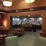 Hampton Inn (Vineland, NJ), dining area and kitchen