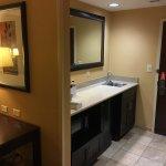 Hampton Inn (Vineland, NJ), double queen suite (Oct 2017)