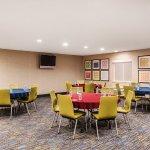 Photo of Holiday Inn Express Warrenton