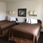 La Jolla Travelodge beds