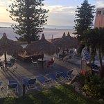 Photo de Dolphin Beach Resort