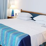 Photo de Coral Beach Hotel & Resort