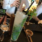 Mastering a classic Mojito thaught by Iain