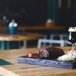 Темное пиво - отлично подойдет к говяжьему ребру.
