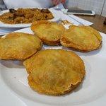 Patatas de Olot (famosas) y al fondo arroz.
