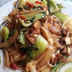 stir fried noodles with vegetables and tofu