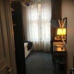 Foto de Crystal Plaza Hotel