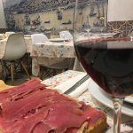 Food is very delicious and the portions are very big!During our visit in Porto we eat every even
