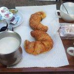 "Petit-déjeuner ""continental"": 3€ (septembre 2017)"