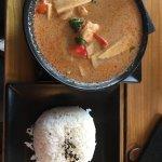 Curry rojo con langostinos 🍤