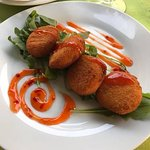 fabulous fried goats cheese with sweet chilli sauce