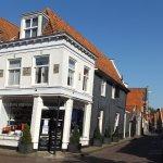 la esquina de Spui y Prinsestraat a 50 metros del restaurant