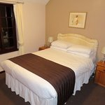 My double room - The Olway Inn in Usk (12/Oct/17).