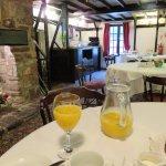The breakfast room - Olway Inn in Usk (13/Oct/17).