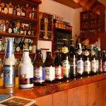 Ofrecemos una alta variedad de cervezas importadas, artesanales y nacionales!