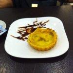 Quiche de alho poró e croissant
