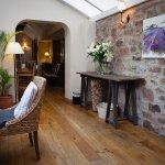 Photo de Tudor Farmhouse Hotel