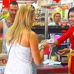Bintang Supermarket Seminyak Foto