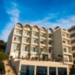 Hotel Oasis Photo
