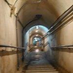 壕内の階段