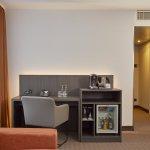Minibar und Kaffee-/Teestation im H4 Hotel Residenzschloss Bayreuth