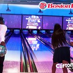 Come to Boston Pizza Clifton Hill and you can eat while you bowl.