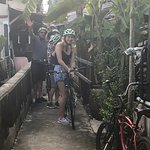 Photo de Follow Me Bike Tours
