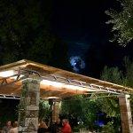 Photo de Taverna The Garden