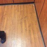 One elevator - floor very dirty!