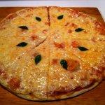 Margherita! queso mozarella, albahaca y aceite de olivo!