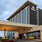Photo of Hilton Toronto Airport Hotel & Suites