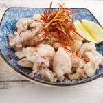 Crispy squid with 5 spices, salt and lime