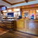 Photo de Premier Inn Bristol South Hotel