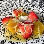 """Yellow beetroot, strawberry & chamomile"""
