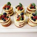 Mono Cakes