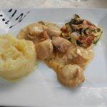 noix de Saint Jacques à la fondue de poireaux, gratin de courgettes
