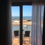 Vistas desde Habitación a Tarráza, playa, y puerto deportivo