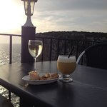 Pina colada and a white wine - a little bit of heaven for a few euros!