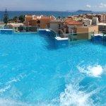 Superior Glass Pool Terrace