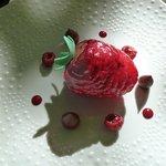 dessert glacé à la framboise