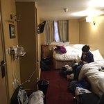 Photo de Castleton Hotel