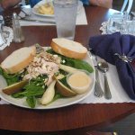 spinach salad with chicken, pears, gorgonzola and almonds.