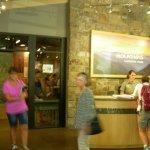 Foto de Sugarlands Visitors Center