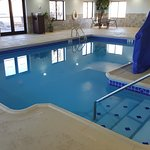 Foto de Holiday Inn Express Hotel & Suites Concordia US 81