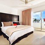 Photo of Hotel Bambu Suites