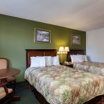 Photo of Rodeway Inn & Suites Manchester