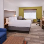 Photo of Holiday Inn Express & Suites Parkersburg - Mineral Wells