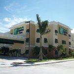 Photo de The Holiday Inn Express & Suites Marathon
