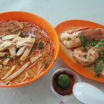 Typical Super Special Order with the prawns served separate from the laksa