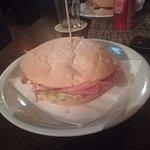 panino Lord Oxford (prosciutto cotto, formaggio, salsa rosa e lattuga)